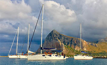 flottiglia-in-barca-a-vela-favignana